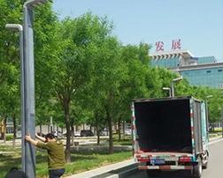 禹城政务大厅安装路灯